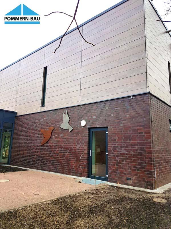 Hinterlüftete Fassade Kita Friedrichsgabe Tür