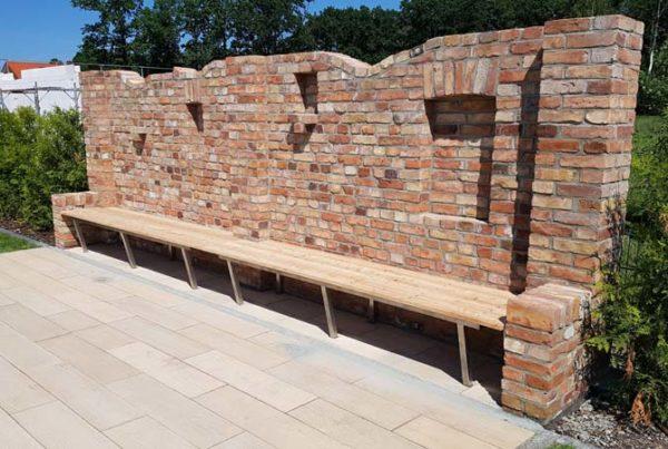 Gartenmauer mit Sitzgelegenheit Pommern-Bau GmbH